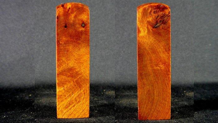 [福田工藝]台灣千年梢楠鈦金閃花鳳尾瘤聞香把玩印章/重油黑格料[半沈水]味濃醇6分[肖楠印21]
