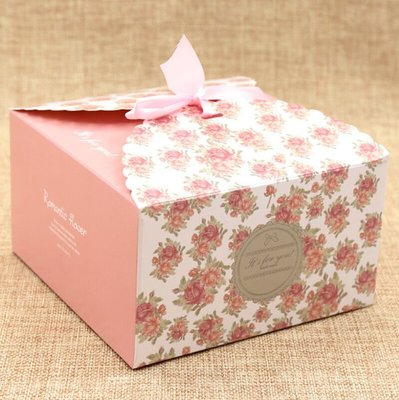 清新小碎花A款餅乾盒1入20元14*14*8cm 蛋糕盒5吋婚禮小物包裝盒聖誔節禮物包裝盒鳯梨酥盒月餅盒~幸福生活館