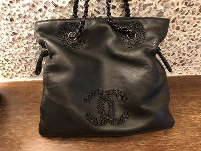Chanel小羊皮繡珠手提包