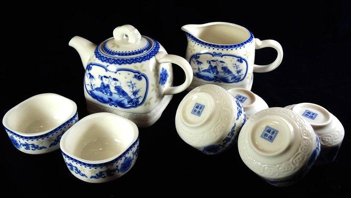 *阿威的舊書箱*【瓷器 青花瓷 景德鎮茶組套組 玩童 瓷器茶具 工夫茶 整套茶杯茶壺 禮盒】特價 品相優 值得收藏