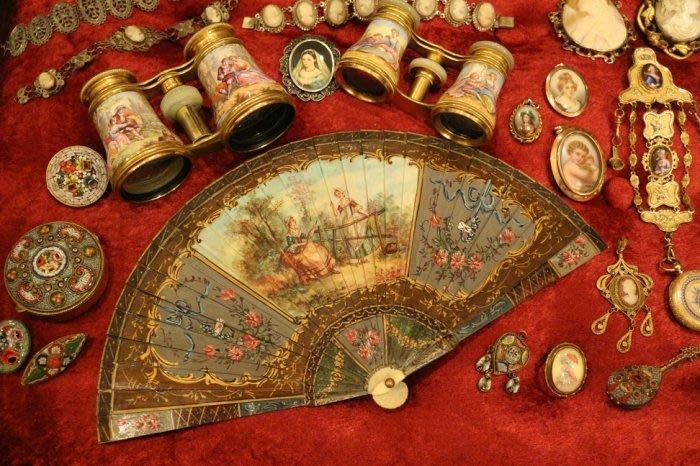 【家與收藏】頂級珍藏歐洲百年古董法國18.19世紀華麗珍貴手工雕刻手繪洛可可宮廷古董扇畫擺飾(陸續刊登中)