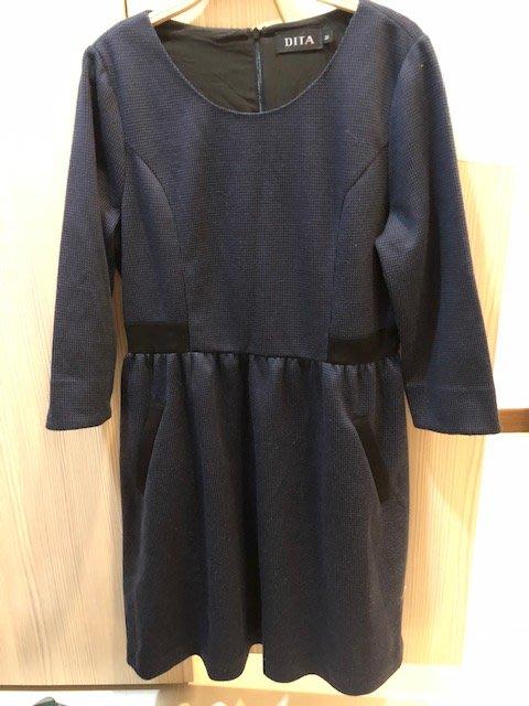 小花別針、專櫃品牌【dita】黑藍色氣質連身裙