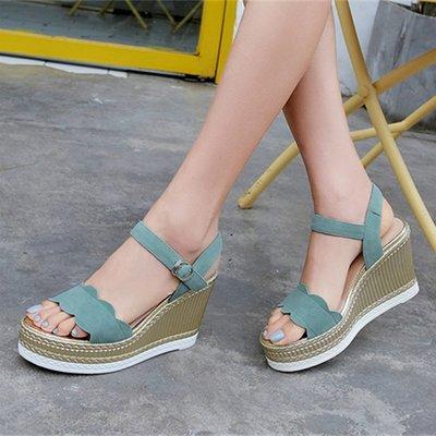 Mis YA*歐洲站松糕坡跟涼鞋 夏季新款防水臺厚底百搭高跟一字扣涼鞋