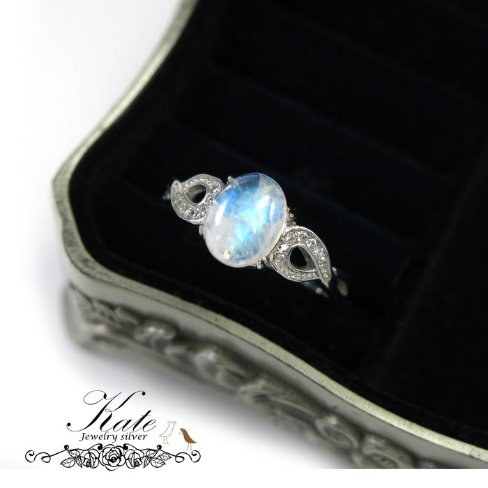 純銀戒指 銀飾 天然月光石 戀愛石 爆滿藍光 無限大 活圍 925純銀寶石戒指/生日禮物情人禮物/KATE銀飾