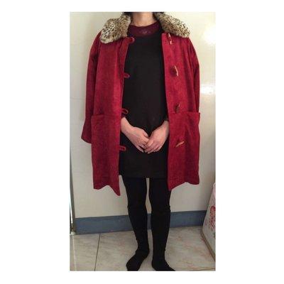 過年喜氣紅色麂皮牛角扣子大衣豹紋毛領外套 原價990 特價500元