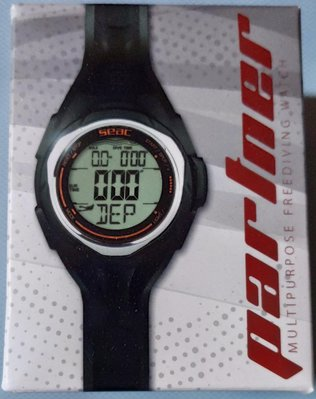 全新義大利專業潛水品牌SEAC潛水電腦手錶,適用自由潛水,水肺潛水,G-SHOCK的大小方便穿戴,深度溫度測量!非常適合自由潛水愛好者使用,歡迎面交!