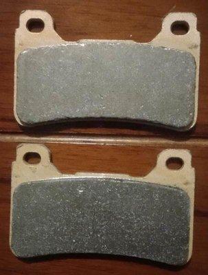 TOKICO 平字版 輻射 對四 雙插銷 金屬燒結 剎車片 煞車皮 剎車皮 煞車片