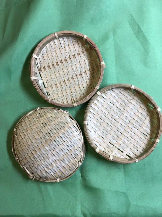 直徑11CM*高2CM竹篾(竹肉)小圓竹篩 --PE163S