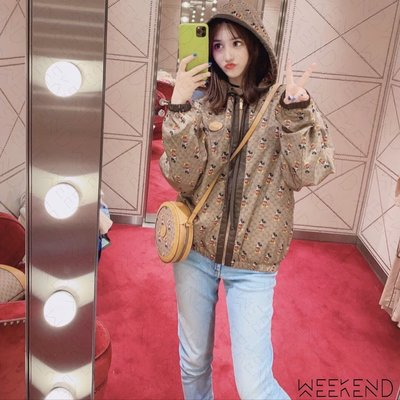 【WEEKEND】 GUCCI x DISNEY 迪士尼 聯名 米奇 滿版 尼龍 擋風衣 外套 棕色 605445
