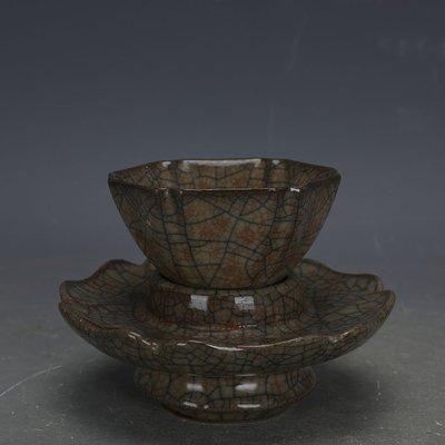 ㊣姥姥的寶藏㊣ 宋代哥窯金絲鐵線功夫茶杯茶託一套  出土文物古瓷器古玩收藏擺件