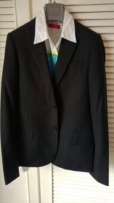 歐碼44【 】深黑色純羊毛單排兩扣收腰西裝 後開單衩