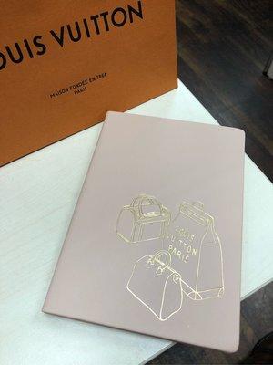 全新真品LV皮革燙金筆記本、義大利製 (尺寸: 14cm*19.5cm*1.4cm)
