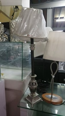 華威搬家更新二手倉庫桌燈波麗 宮廷風 立燈優雅 檯燈風格鄉村銀座