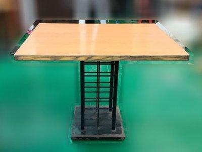 【樂居二手家具館】台中西屯(中)二手家具買賣推薦 E120714*木紋小吃餐桌* 營業用餐桌椅 家用餐桌椅 各式二手桌椅