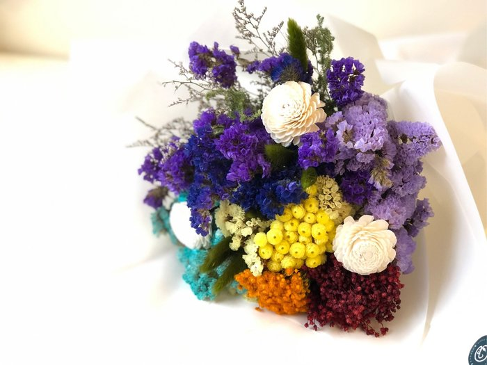 彩虹乾燥花束