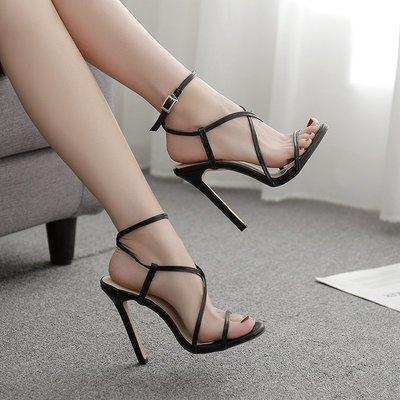 明星同款婦女的涼鞋босоножки жен heel-strap sandals