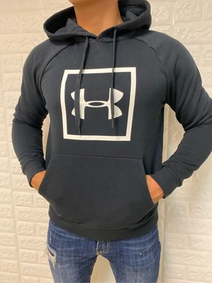UA 男款Rival Fleece Logo保暖 休閒 訓練 運動 連帽上衣1329745-001