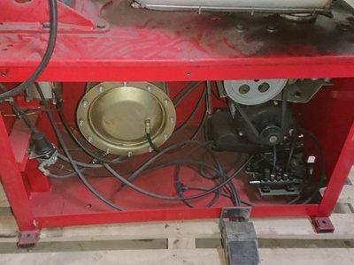 中古拆胎機 大盤面 可以拆裝24吋 只要128000可加裝外冲裝置 可加裝輔助臂