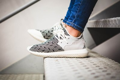 (預購商品) adidas Tubular Entrap Primeknit PK S76547 黑白 編織 運動鞋
