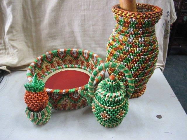 二手舖 NO.3594 四色牌摺紙 工藝品擺飾 手工花瓶 茶壺 鳳梨 籃子