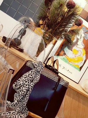 [ RainDaniel ] ALAIA 法國經典品牌 黑皮革紋 拼接簍空手提/ 肩背包