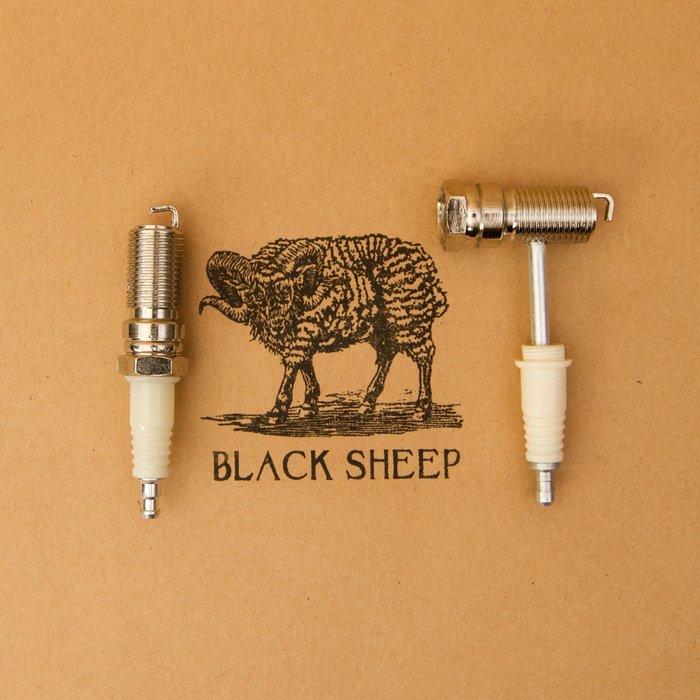 黑羊選物 隨身菸斗 火星塞造型 趣味小物 方便攜帶 煙斗 捲煙用品 pipe paper raw 捲菸 小物