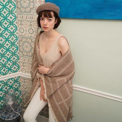 《巴黎拜金女》杏色圍巾雙面保暖披肩