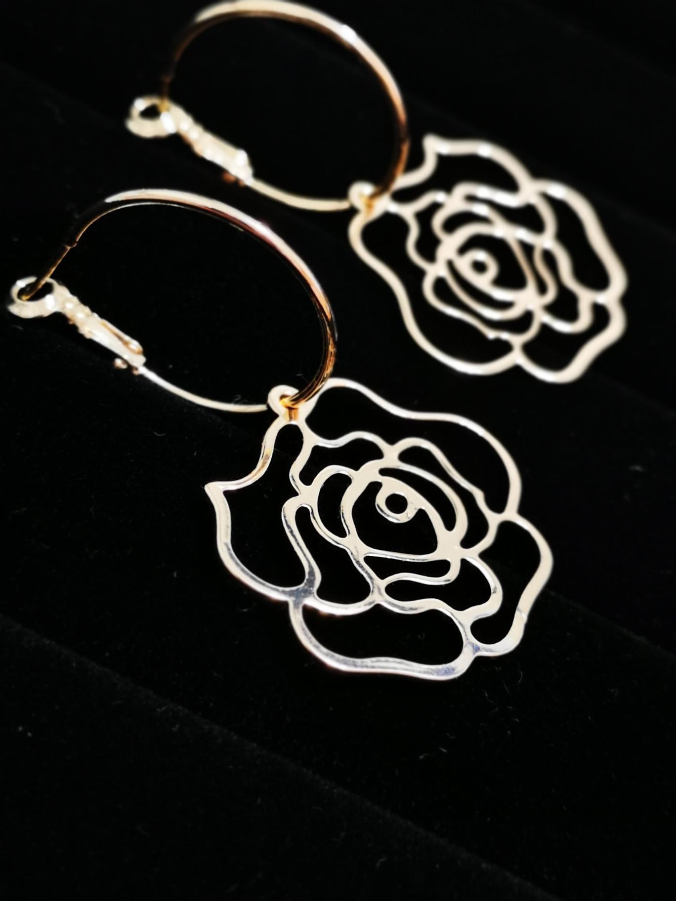 Mi 原創設計金色銅鍍18k保色花朵耳針/現貨