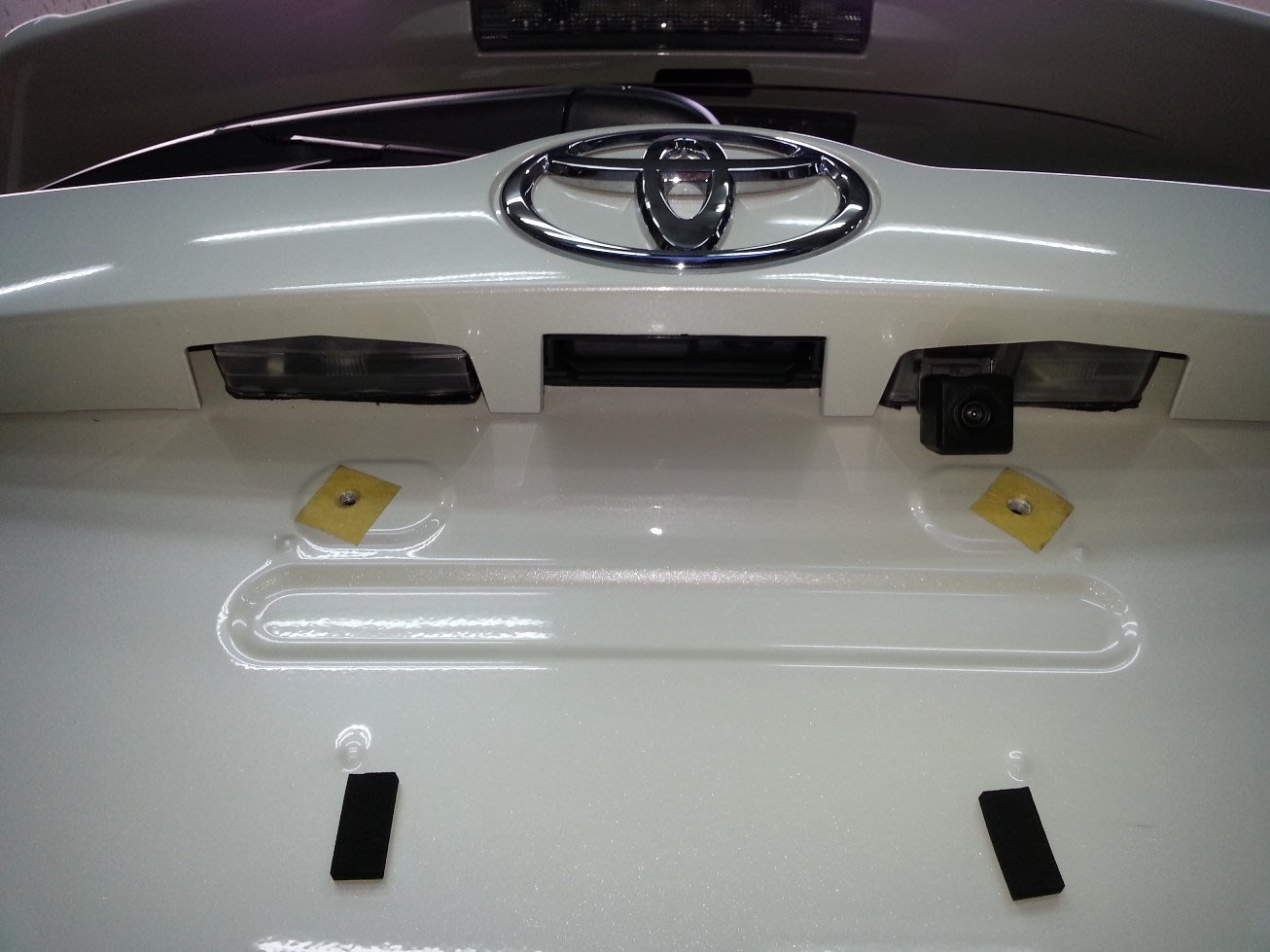 TOYOTA(豐田)NEW RAV4 專用倒車鏡頭.免挖洞
