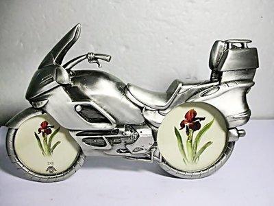 aaL皮1商旋.全新長約18.5公分的合金機車造型相框!!---可放兩張照片於車輪相當特殊的設計值得擁有!!-P