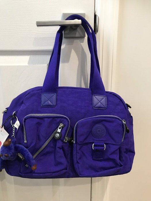 美國名牌Kipling HB6855 Defea 專櫃經典款雙口袋肩背斜背包熱賣款式現貨在美特價$2580含郵