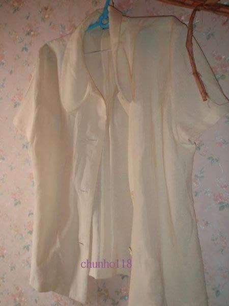 ~二手衣出清~ MY de GIRL 米色短袖上衣/外套〔夏季〕--- L(女)