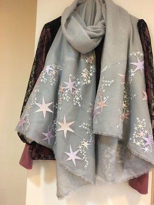 最後1件夢夢園-獨家夢幻小星星baby pink SuperFine Shamina 銀灰造型小羔羊圍巾180*80cm
