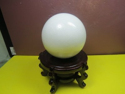 【競礦網】天然罕見西藏白玉石球1.3公斤95mm(贈座)(親民價、便宜賣、限量5組)原價500元