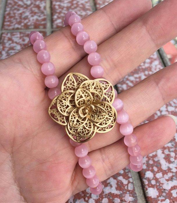 珍奇翡翠珠寶首飾-超高品質的粉紅貓眼石,直徑約6mm  搭配銅花飾品,這批貨真的很優,要買要快,數量有限喔