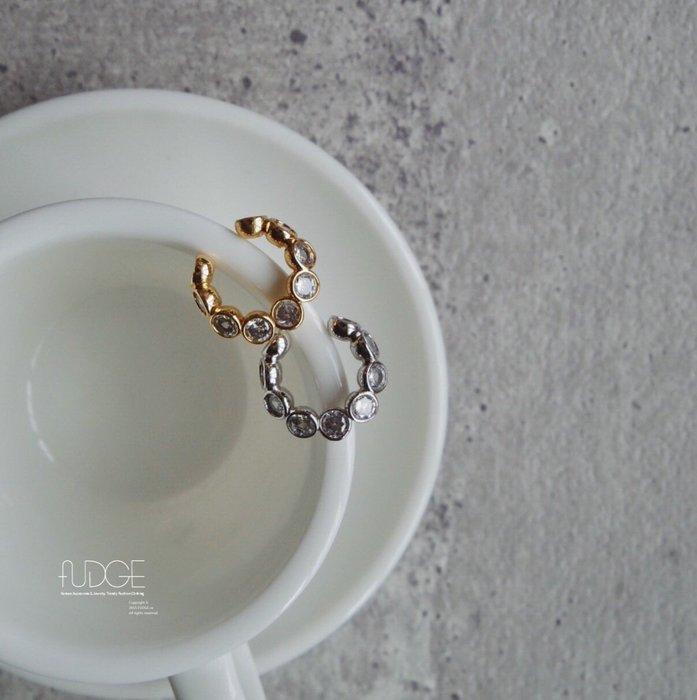 FUDGE法橘 / 正韓  獨特設計質感黃銅圓鑽耳骨夾/LE19821