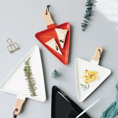 聖誕必買~ 陶瓷聖誕樹三角分格餐盤【大款】紅色/白色 水果盤 甜點盤子簡約器型 聖誕盤※ COLOUR 歐洲生活家居 ※