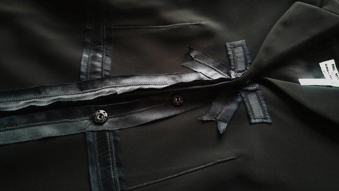 原價六萬多PHILOSOPHY DI ALBERTA FERRETTI 黑色緞帶蝴蝶胸飾收腰西裝