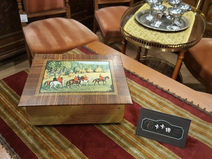 【卡卡頌 歐洲跳蚤市場/歐洲古董】歐洲老件_英國狩獵 軍官 騎馬 老鐵盒 餅乾盒 小物收納盒 m0500 提供租借✬