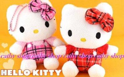 *凱西小舖*日本進口三麗歐正版KITTY凱蒂貓格子吊帶褲玩偶珠鍊吊飾**2選1