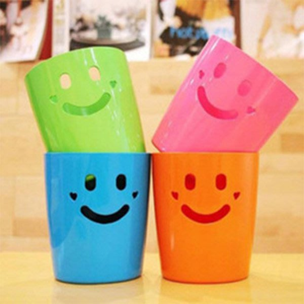 文具 可愛笑臉筆筒 約12x11cm 文具收納 筆 鉛筆 原子筆 收納盒 微笑 糖果色 置物盒【PMG811】收納女王