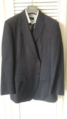 52歐碼【D'URBAN】黑標SUPER130'S 深鐵灰近黑刻印牛角扣單排兩扣西裝上衣