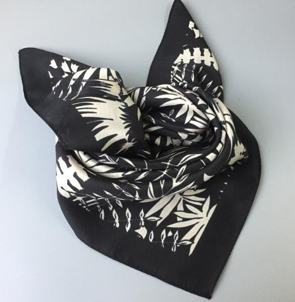 (輕舞飛揚)桑蠶絲 植物花卉印花 女款 斜紋綢真絲中方巾絲巾領巾圍巾