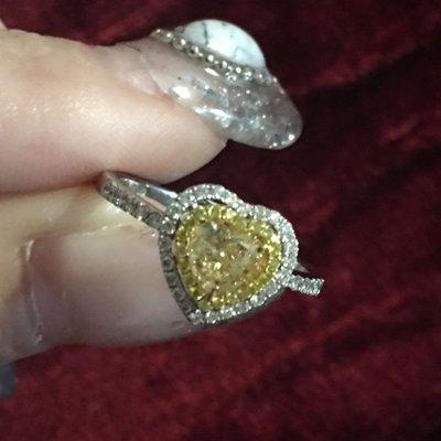💛✨💎GIA愛心黃彩鑽石0.67carat/Fancy light yellow18k白金戒指💎✨💛(付GIA證書📖)