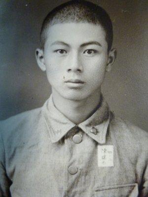 200125~日據時期~台南二中學生!!陳瑞西~學生照~相關特殊(一律免運費---只有一張)老照片