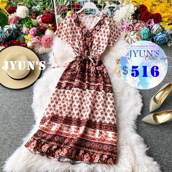 JYUN'S 春夏新款百搭氣質V領花朵圖騰印花繫綁帶民族風度假長裙短袖洋裝連身裙 2色 預購