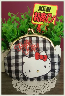 ☆橘子貓的918号店☆日本 HELLO KITTY 雙珠扣式 零錢包 證件包錢包 生日禮物