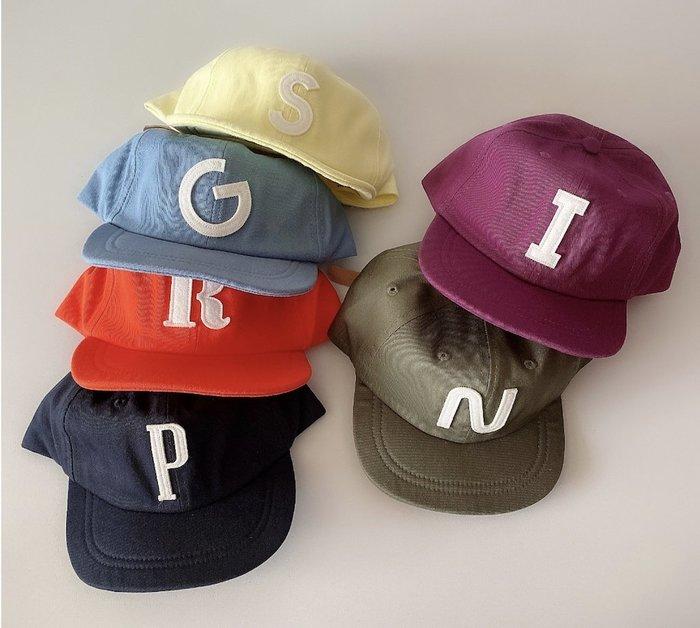 🙋新款現貨✨兒童字母帽 鴨舌帽 男童 女童棒球帽  英文帽子 防曬韓國童裝 帽 幼兒園國小 素色 帽子 兄弟姊妹