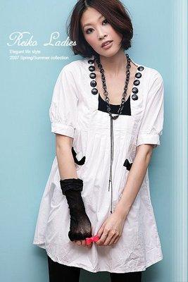 ~Reiko Ladies~輕寶石大圓釦壓摺口袋五分袖洋裝~亮眼白