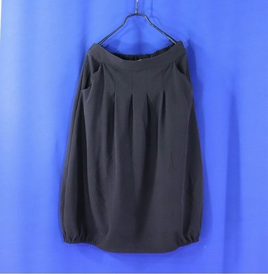 ※衣網情深※女【專櫃品牌 MOSS CLUB】黑色 腰車褶 側襬鬆緊帶及膝裙 F號8582 台北市